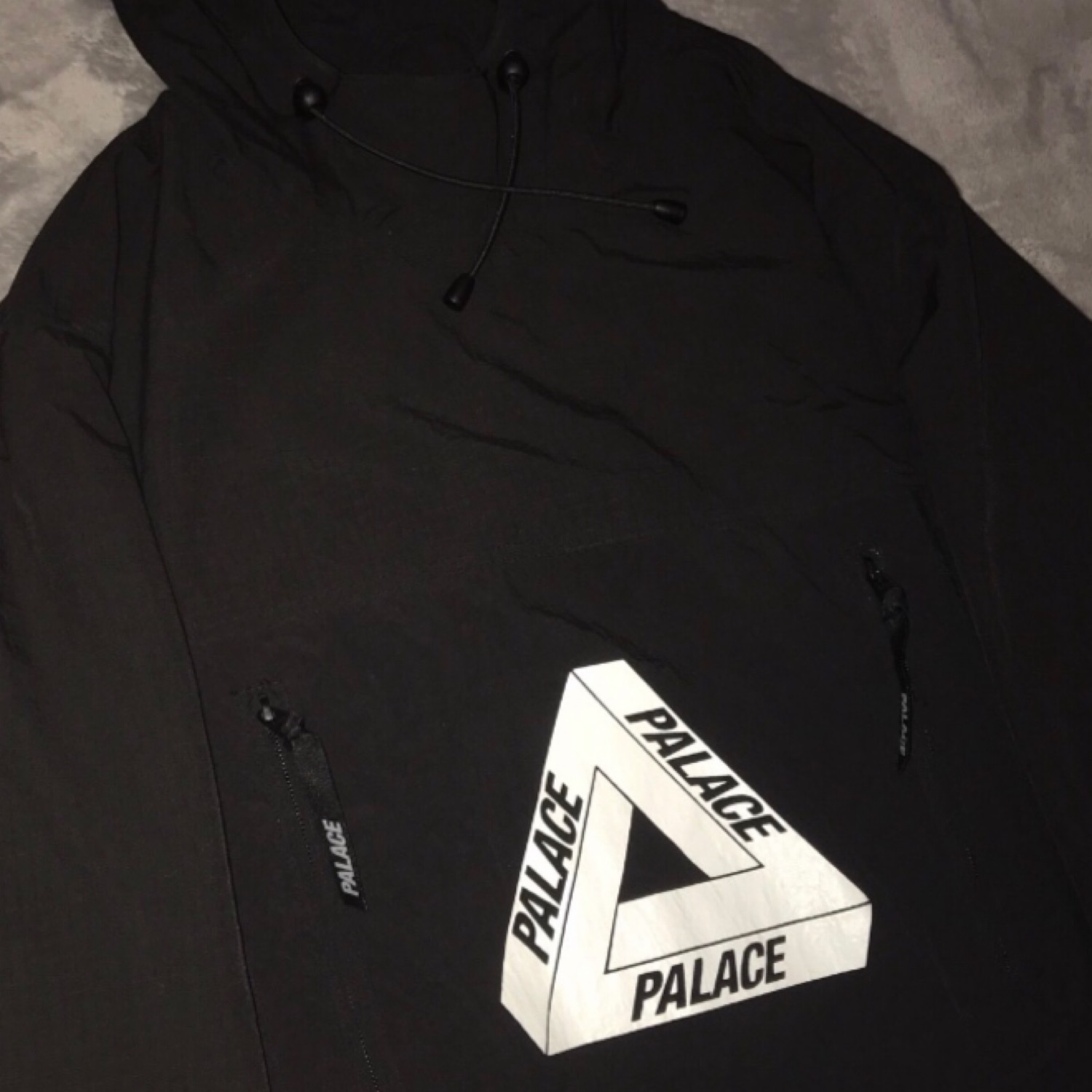 Palace Over Park Shell Top Black/White