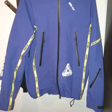Palace x GORE-TEX Jacket Size Small RARE