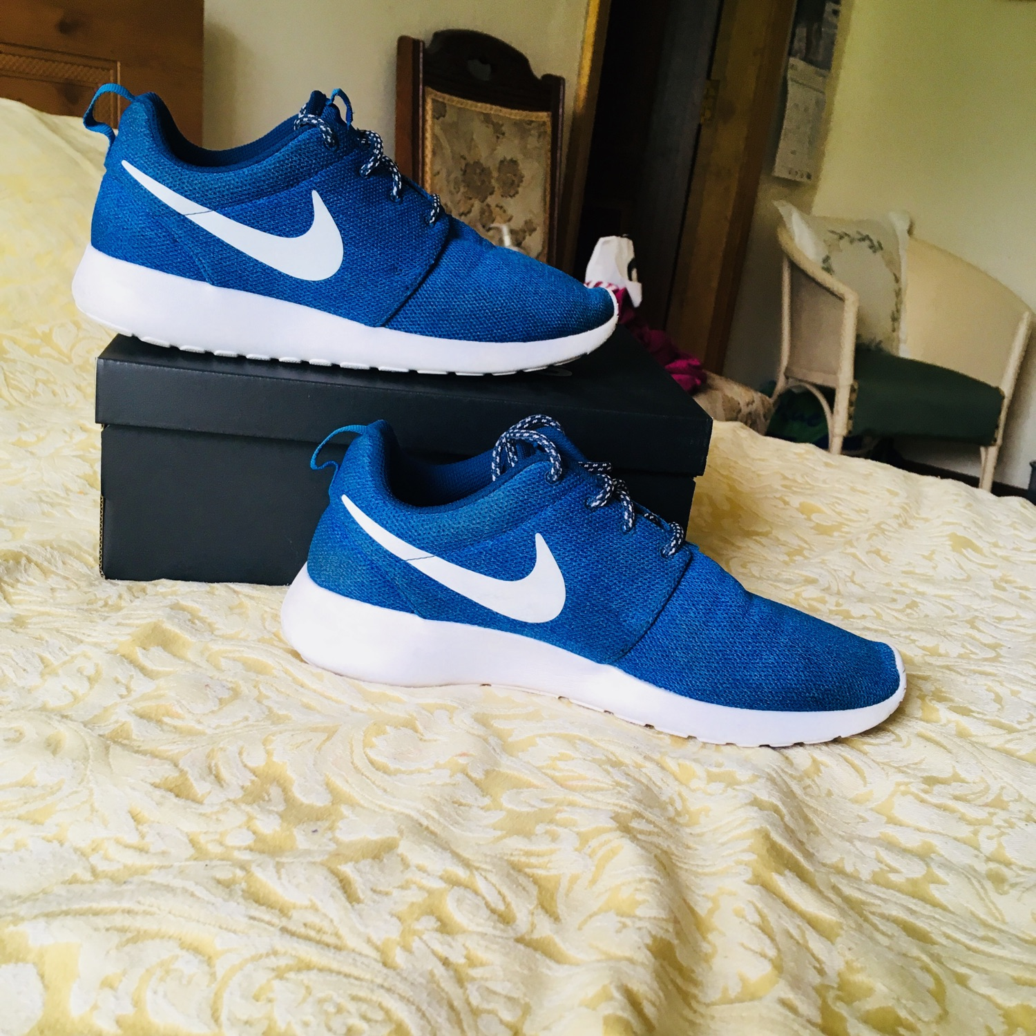 93fef1883698 Nike Roches Size 6 Blue