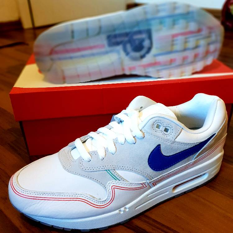 NIKE AIR MAX 1 X CENTRE POMPIDOU BY DAY
