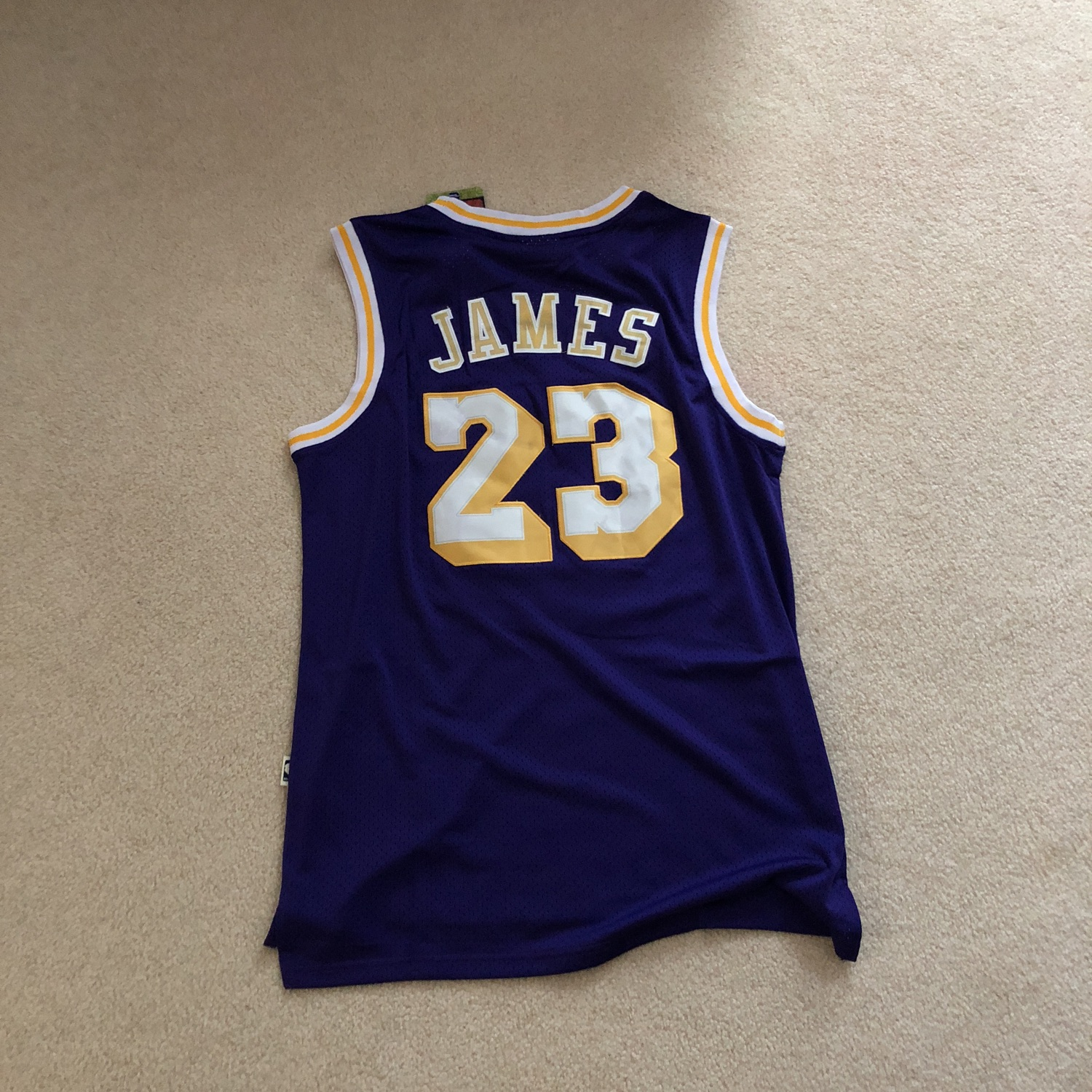 huge discount 6e3ca 9945a Lebron Lakers Jersey