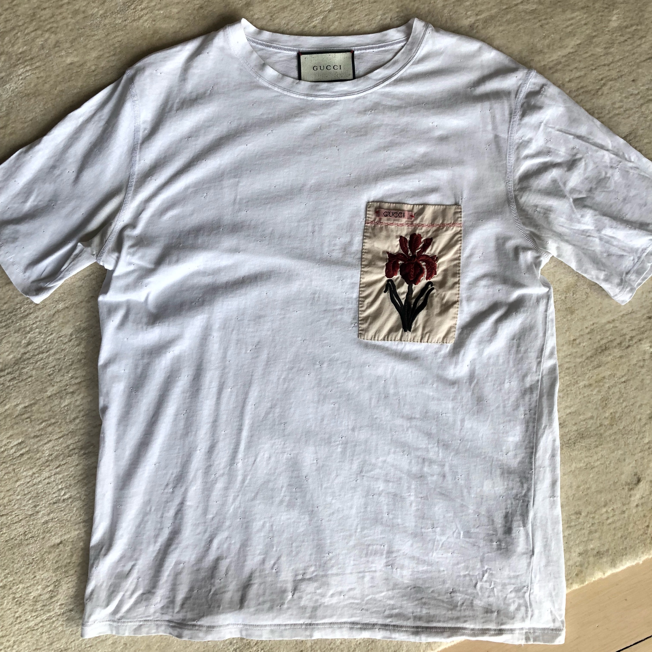 d9cea1c4721 Gucci T-Shirt (Floral Embroidery)