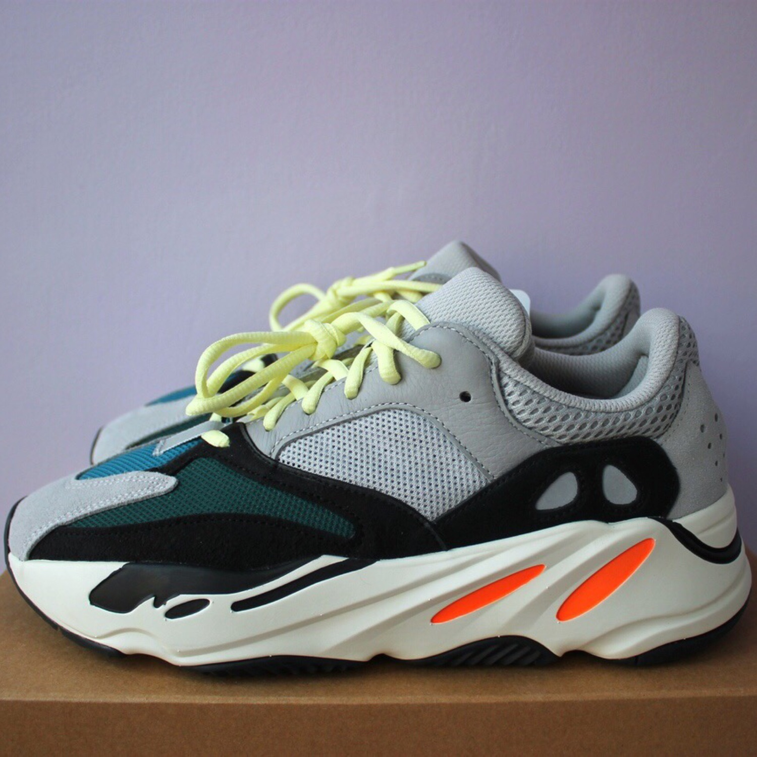 finest selection b0673 263fe Adidas X Kanye West Yeezy Boost 700 Wave Runner