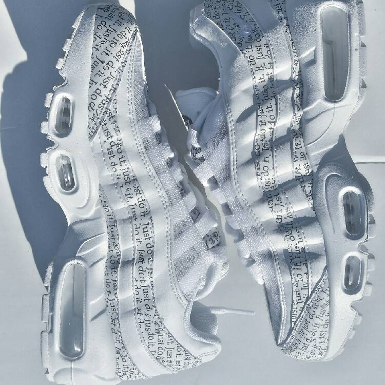 nike just do it white and black newspaper print air max 95 se trainers