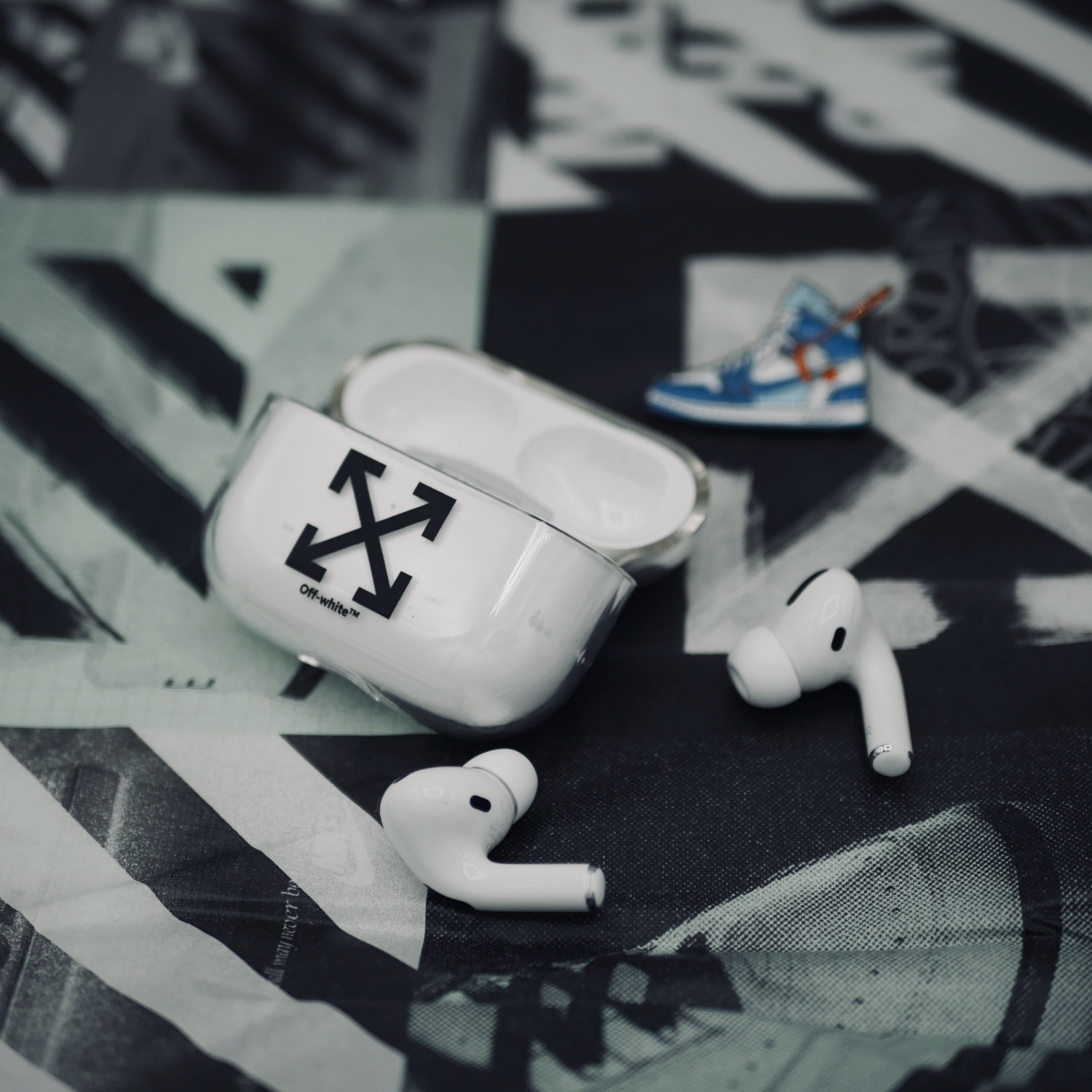 Airpods Pro Case Off White