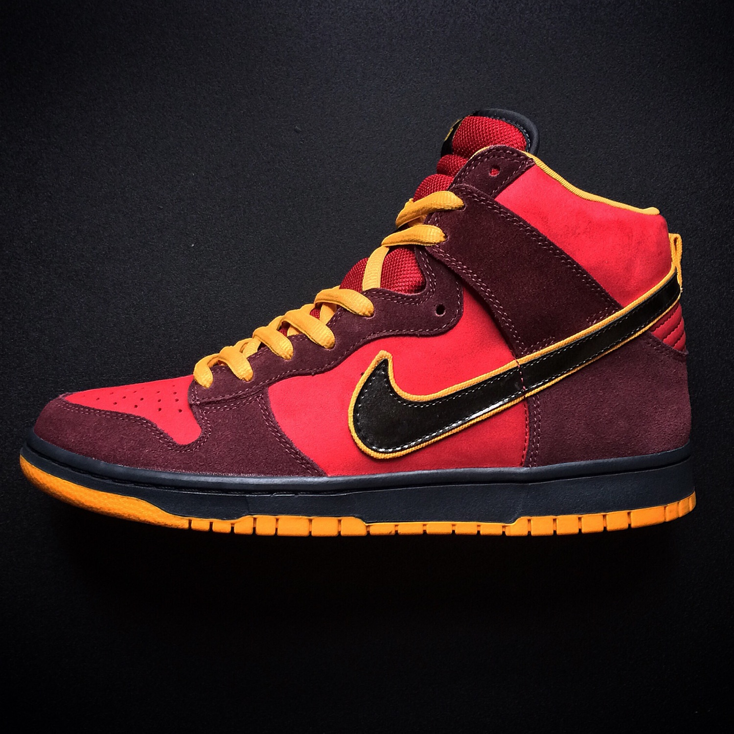 new styles 1ee38 49564 Nike Dunk High Premium Sb