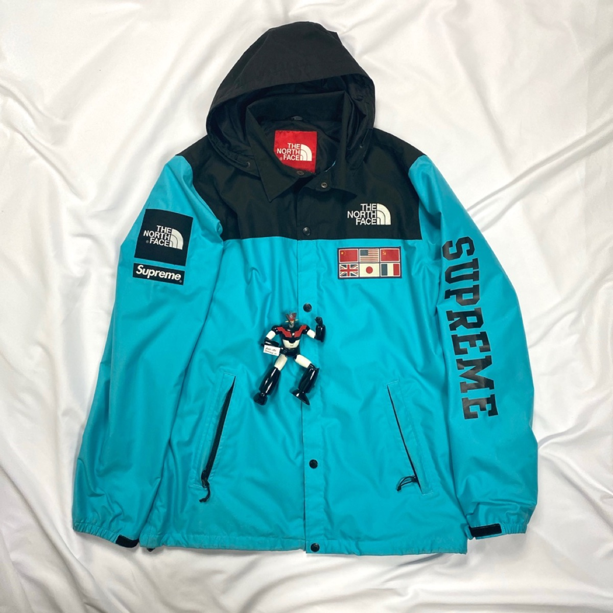 Supreme x North Face Expedition Coaches Jacket