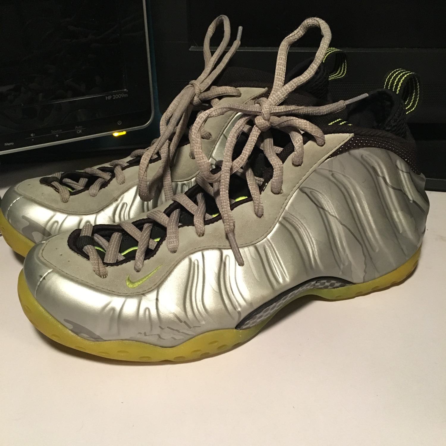 brand new 16e03 3412b Nike Air Foamposite 3M Volt / Metallic