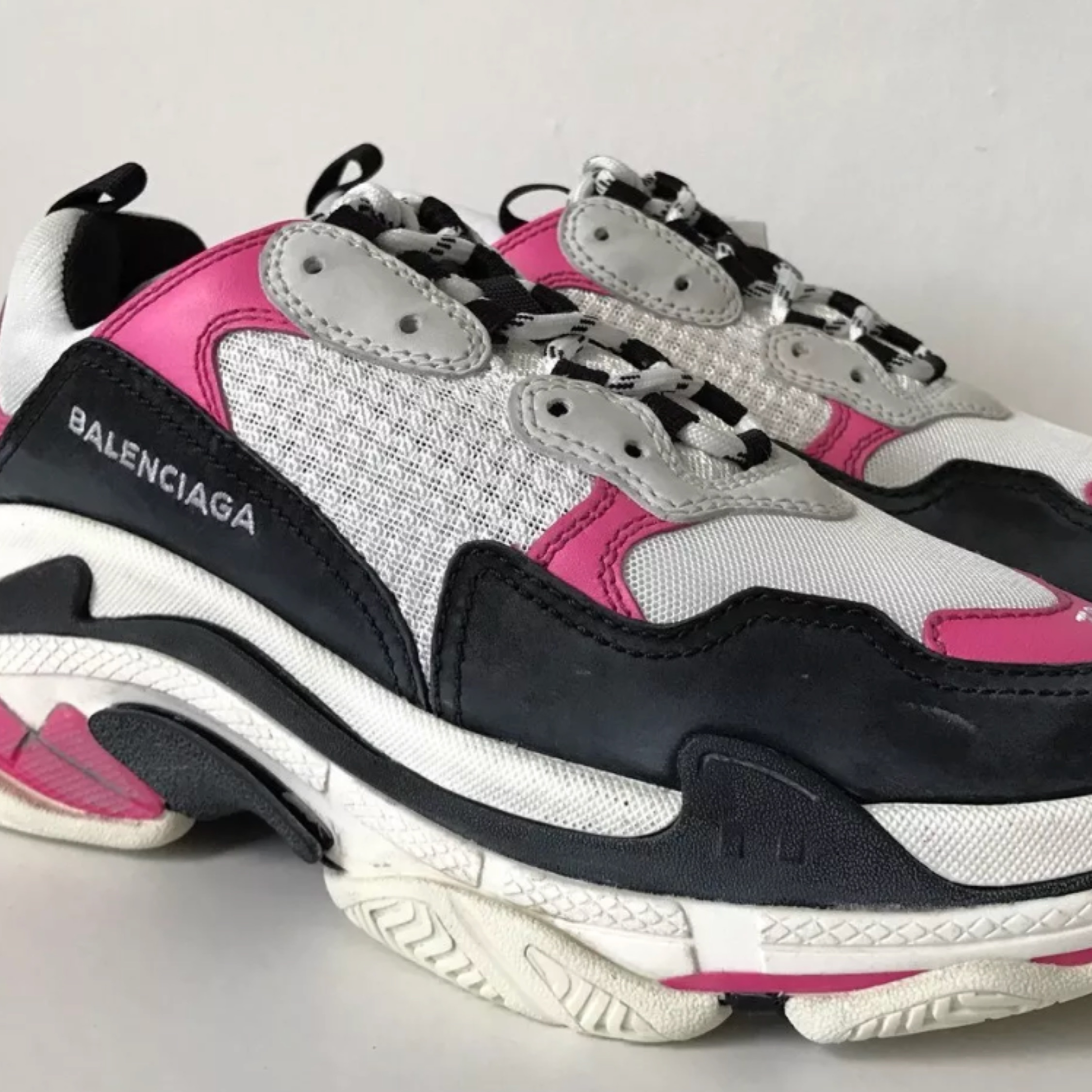 BALENCiAGA TRiPLE S UNBOXiNG AND HOW i GOT THESE