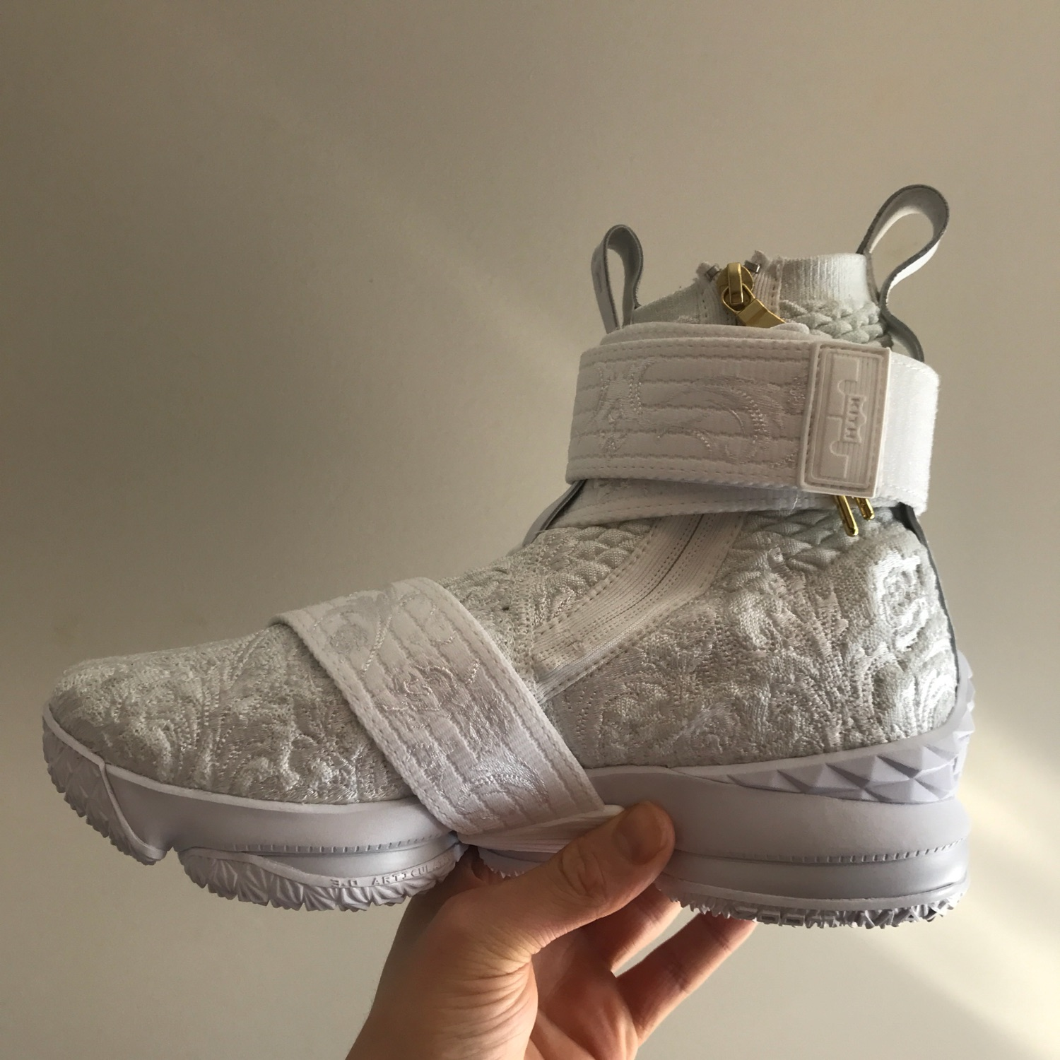 "half off a0551 fd797 Kith X Lebron 15 Lifestyle ""City Of Angels"""