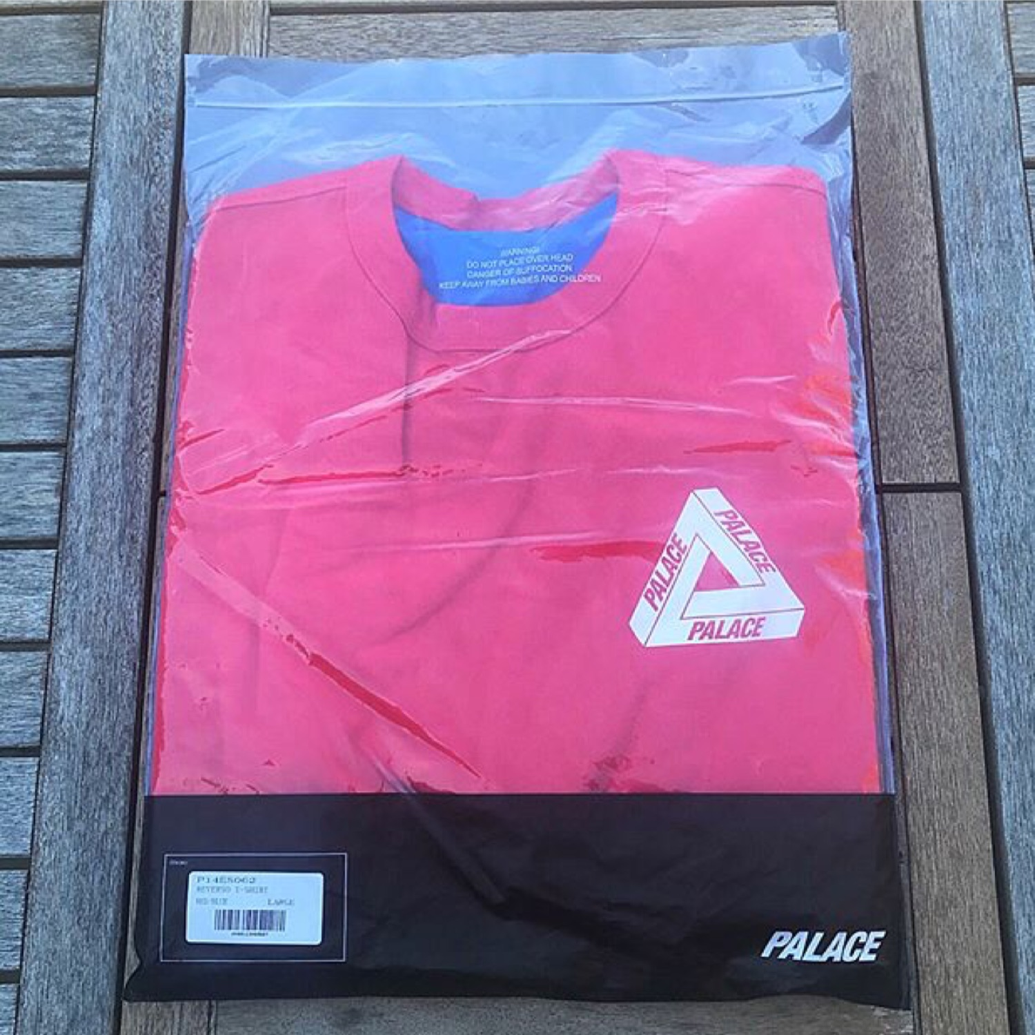 9d300598a9a3 Palace Reverso T-Shirt Red Blue Size M And L