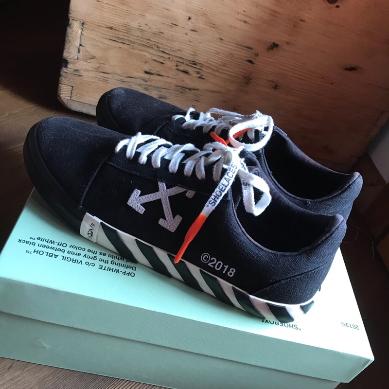 off white vulc low black