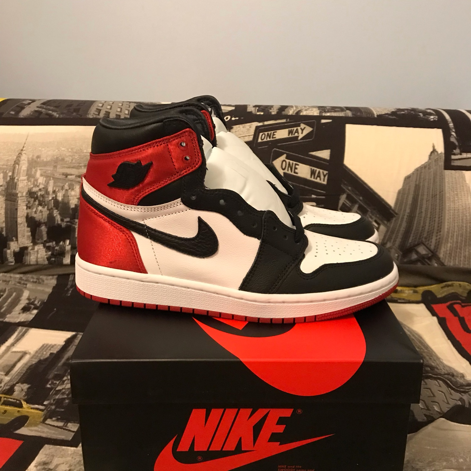 buy popular e41cb 5e5cc Aj1 Black Toe Satin (W)