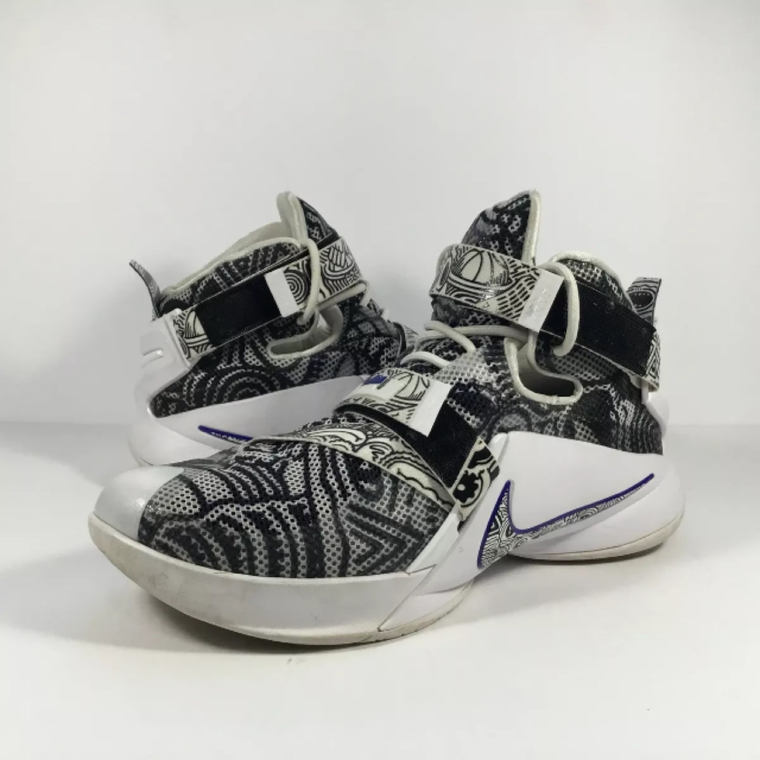 official photos eb900 99bce Nike Lebron Soldier 9 Ix Freegum