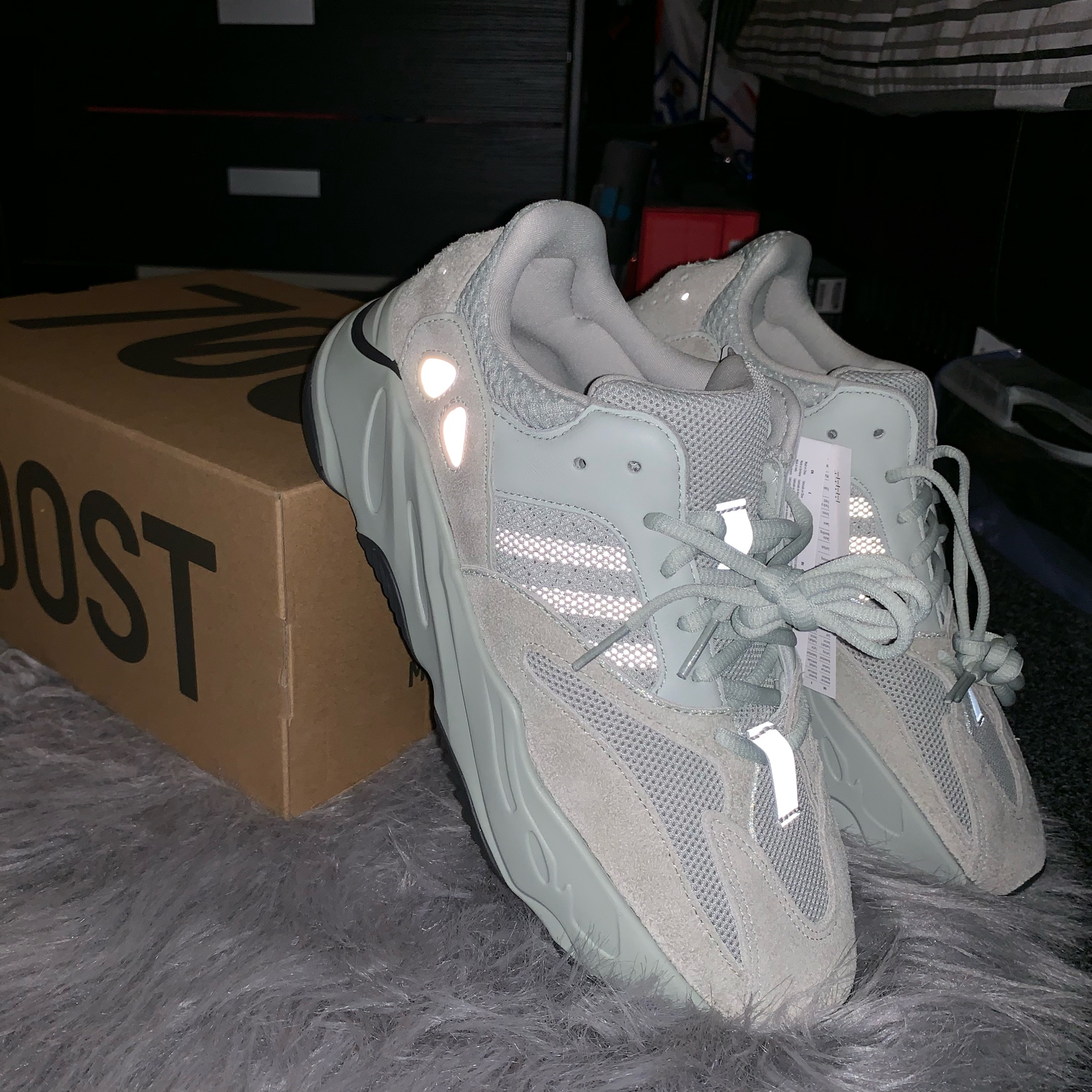 9157eb121 Adidas Yeezy Boost 700 Salt Uk8.5 Us9 Bnwt