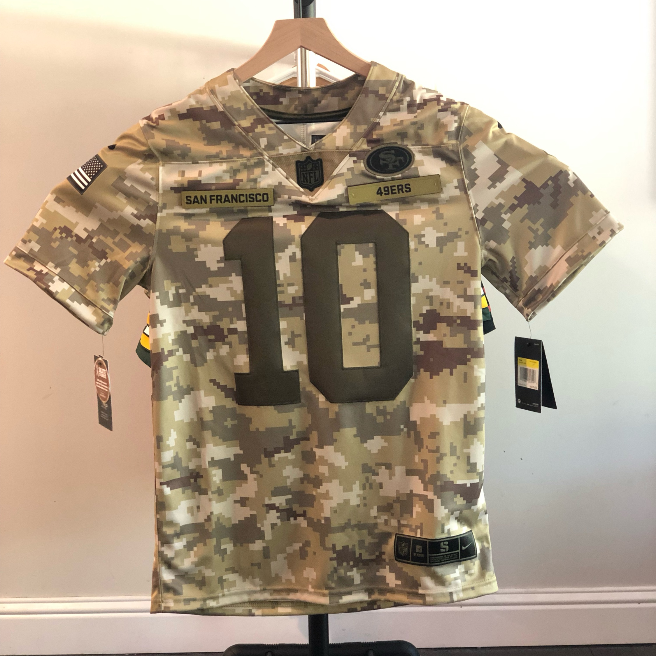 newest 1df27 c8439 Nike Salute To Service Garoppolo 49Ers Jersey