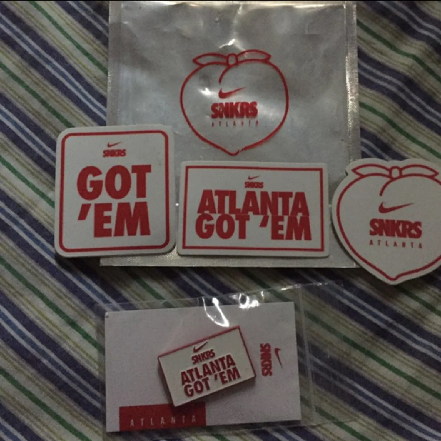 Nike Snkrs Atlanta Pin & Sticker Set