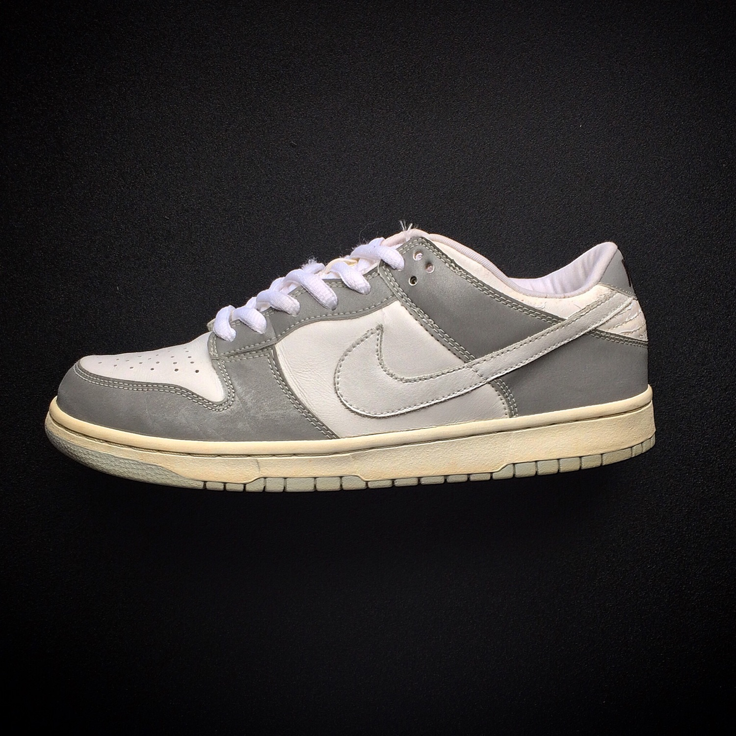 nike sb dunk low reflective off 59