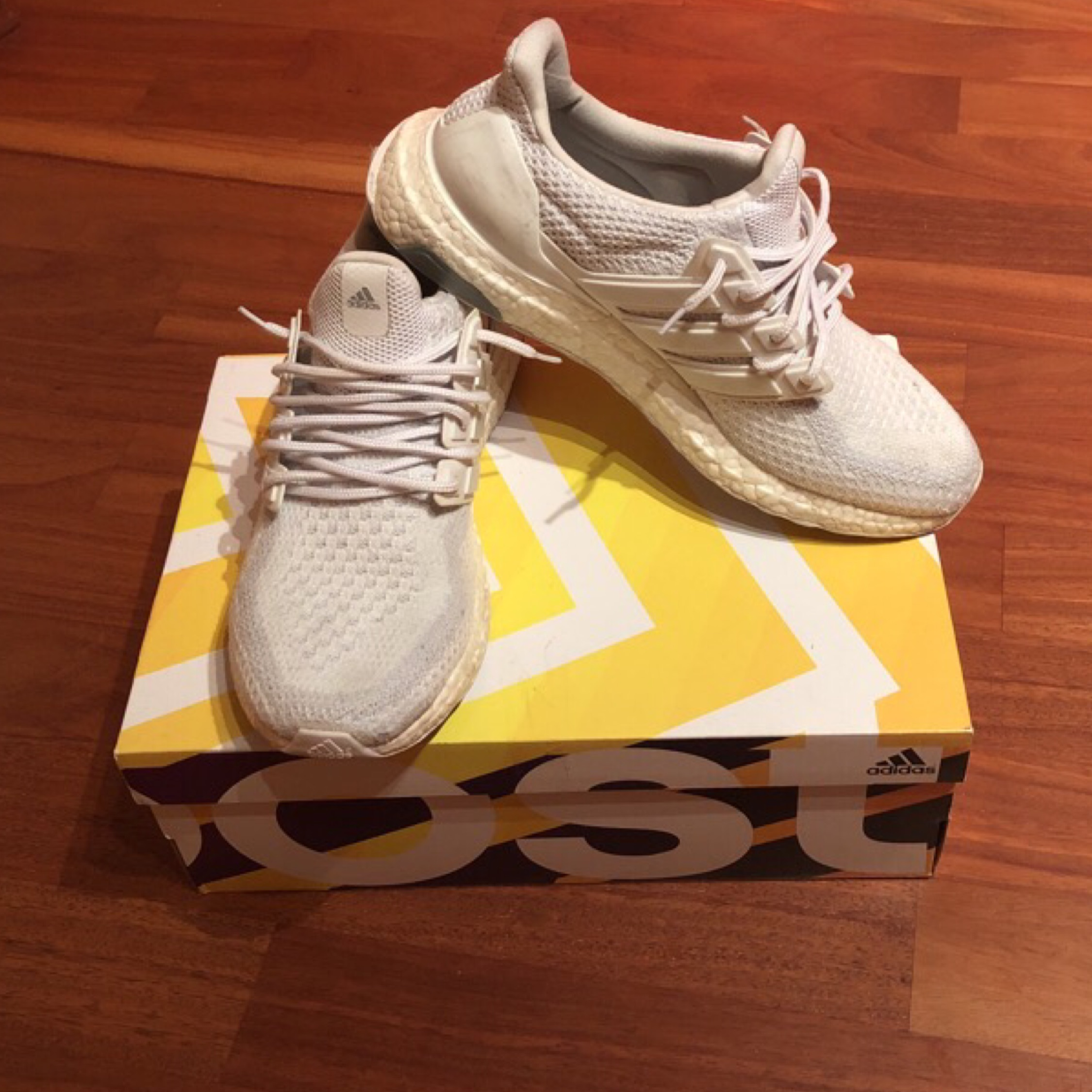 save off 831c9 31d75 Ultra Boost Triple White 2.0 Yeezy Nmd Gucci Lv