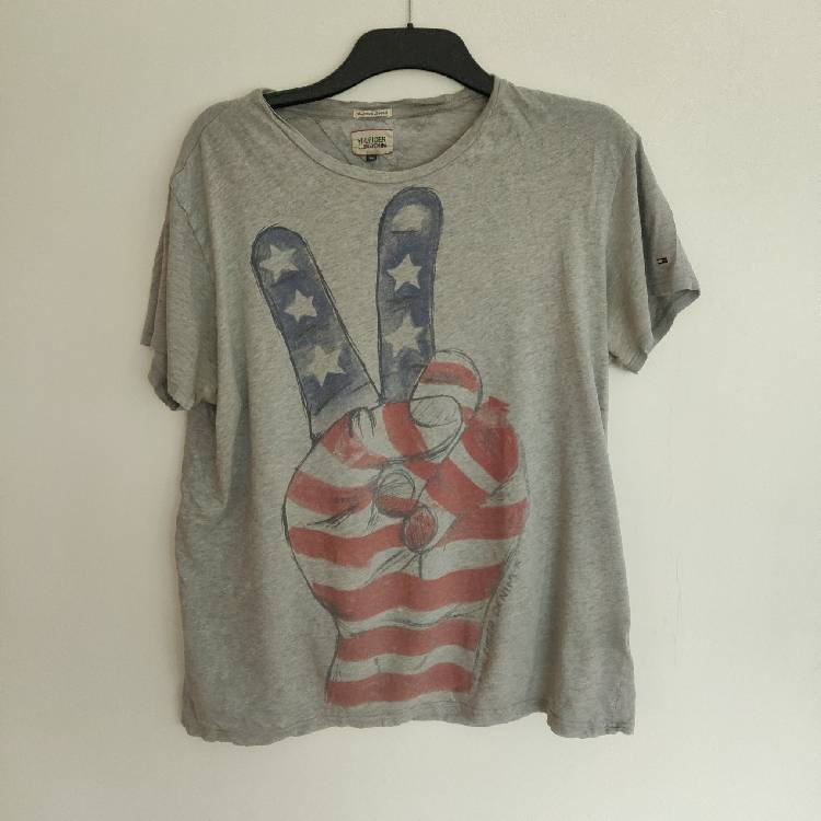66bc7921 Tommy Hilfiger Denim Star And Stripes Peace T-shirt (Over Sized)