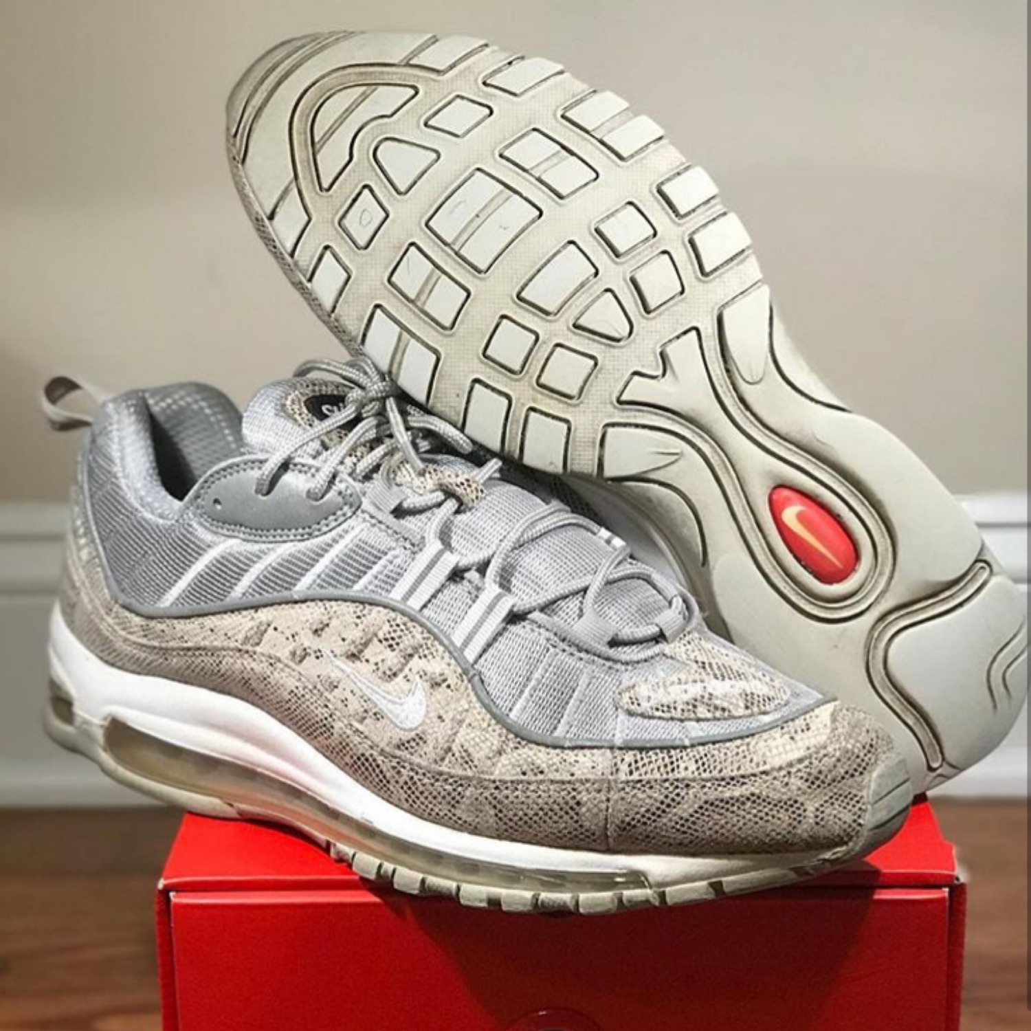 cozy fresh dd63f 231b7 Nike Air Max 98/Supreme Size 11