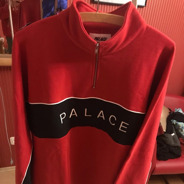 Palace Quart Funnel Red Xl