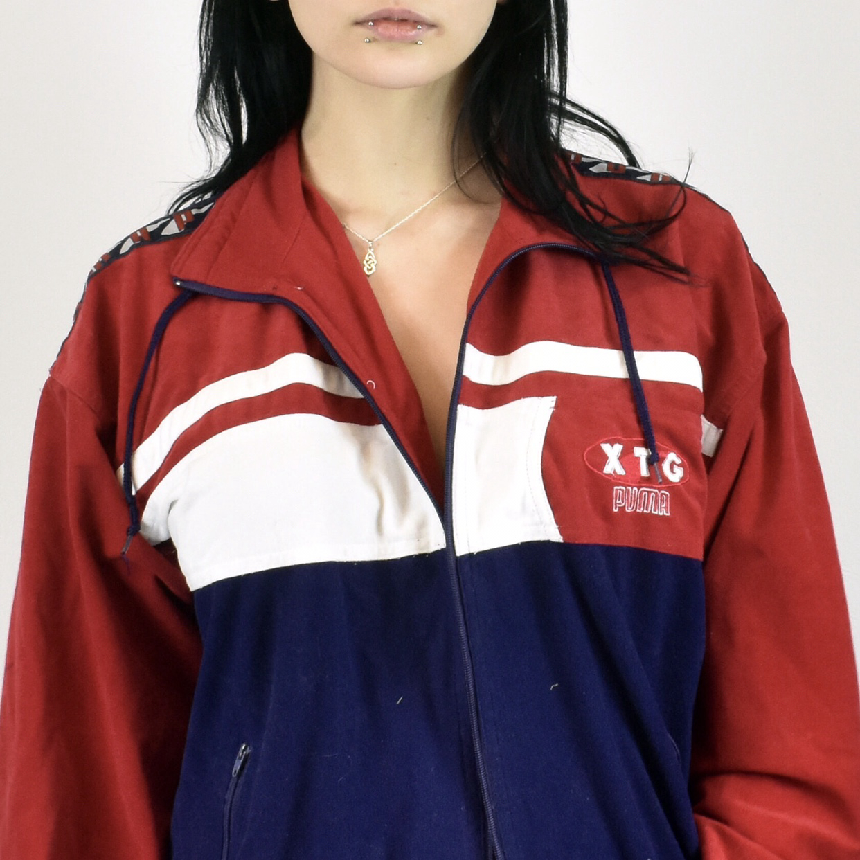 406130653 Unisex Vintage Puma tracksuit track jacket in navy blue, red and white size  L