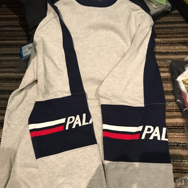 Palace 320 Crew In Heather Grey Size Small