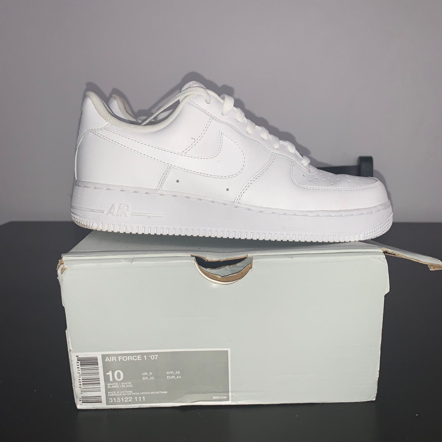 Mens Airforce 1 Low White Size 9