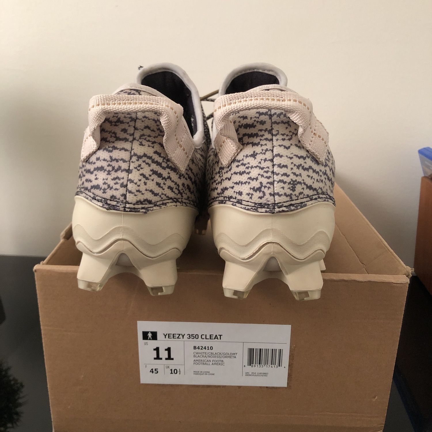 ec0f1e1ae Ds Adidas Yeezy Cleats Turtle Dove
