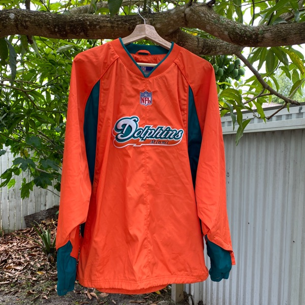 Miami Dolphin Pull Over