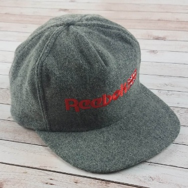 Vintage 1980s Reebok United Kingdom Flag Logo Gray Wool Adjustable Strapback Hat