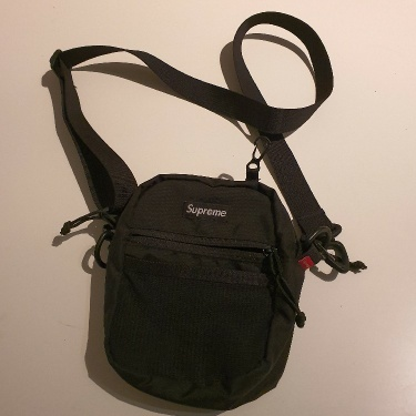 SS17 Supreme black shoulder bag