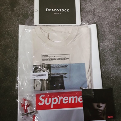 Supreme Banner Tee Tshirt .Natural. Medium.Ds