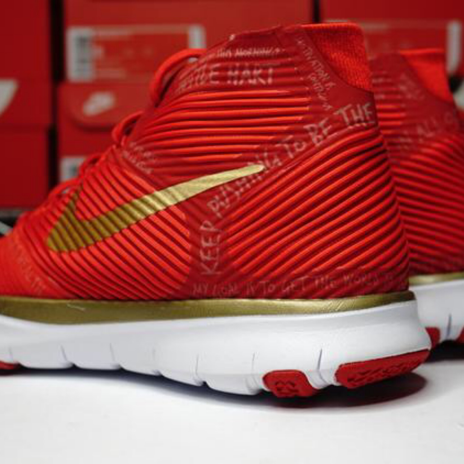 Nike Free Train Instinct Hart Red Gold Size 6.5W