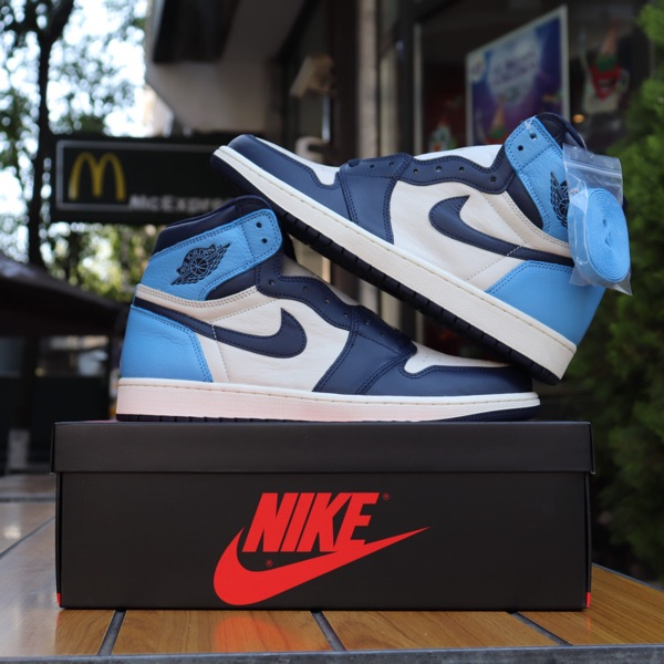 Air Jordan 1 High Unc Obsidian