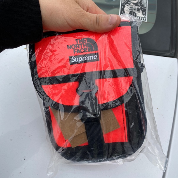 Supreme The North Face RTG Utility Pouch Red