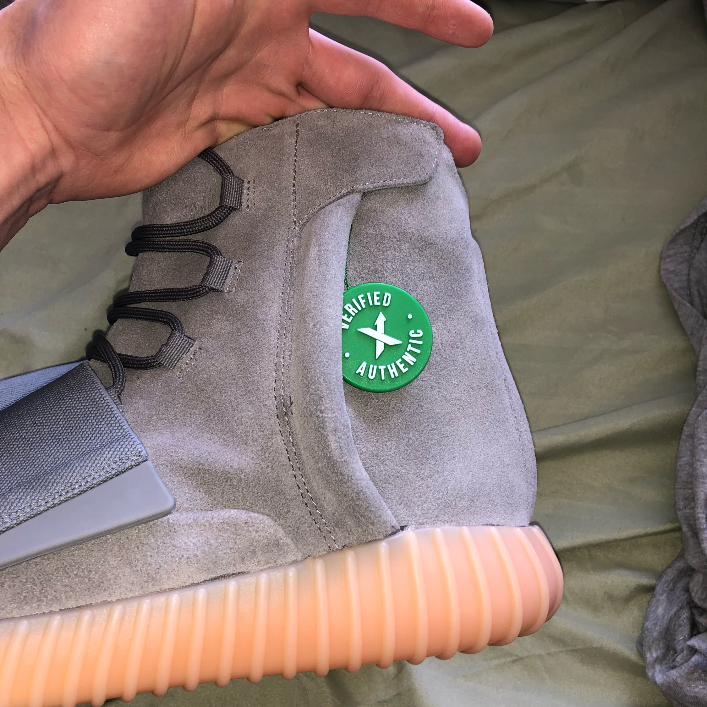 detailed look 4bf20 613e0 Yeezy 750 Grey/Gum