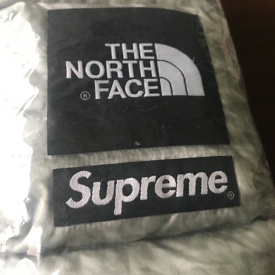 Supreme The North Face Paper Print Down Scarf