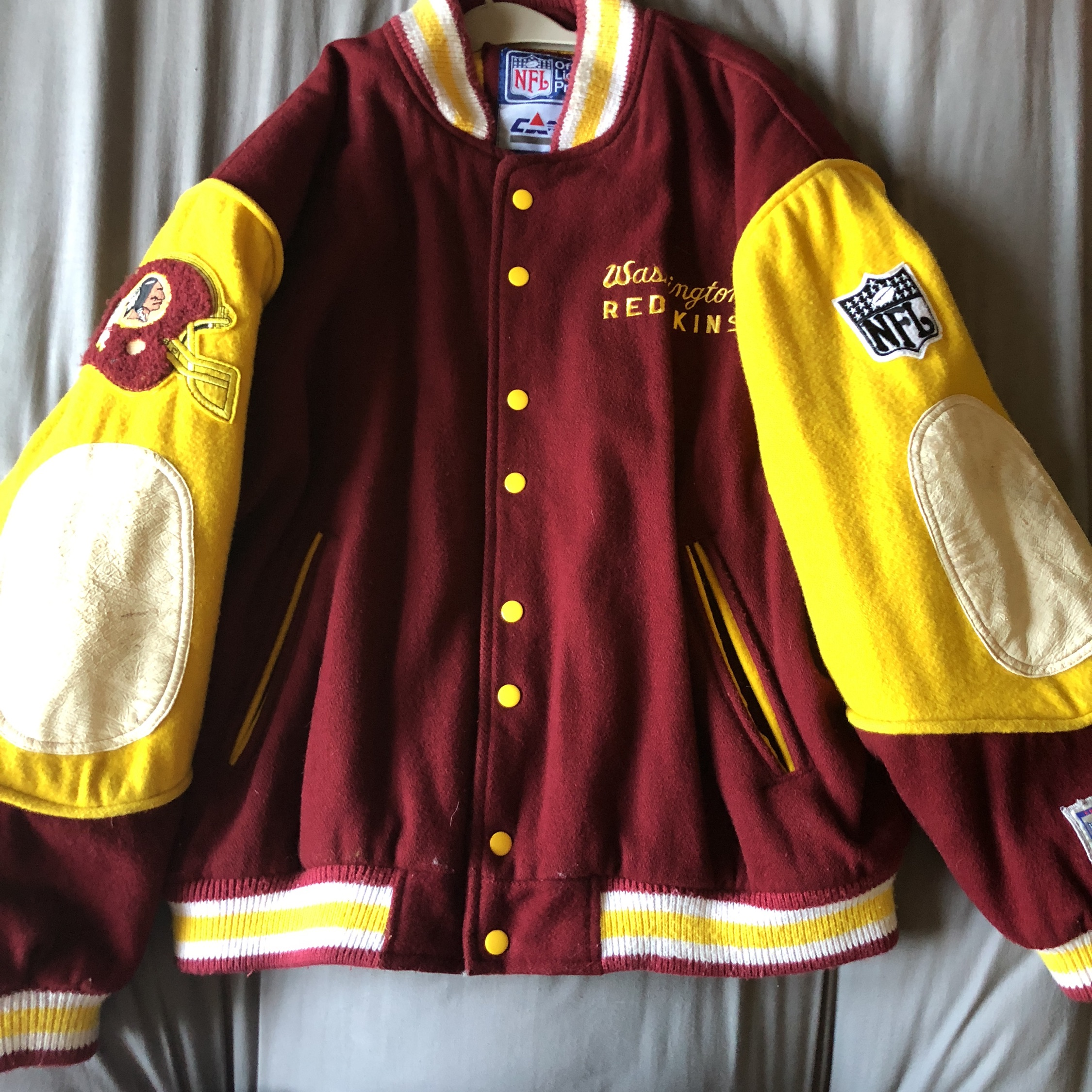 detailed look 1d70b 5bfb8 Washington Redskins Retro Football Jacket