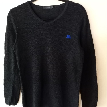 Vintage Burberry Mesh V-neck Embroidered Logo Sweatshirt in Size S