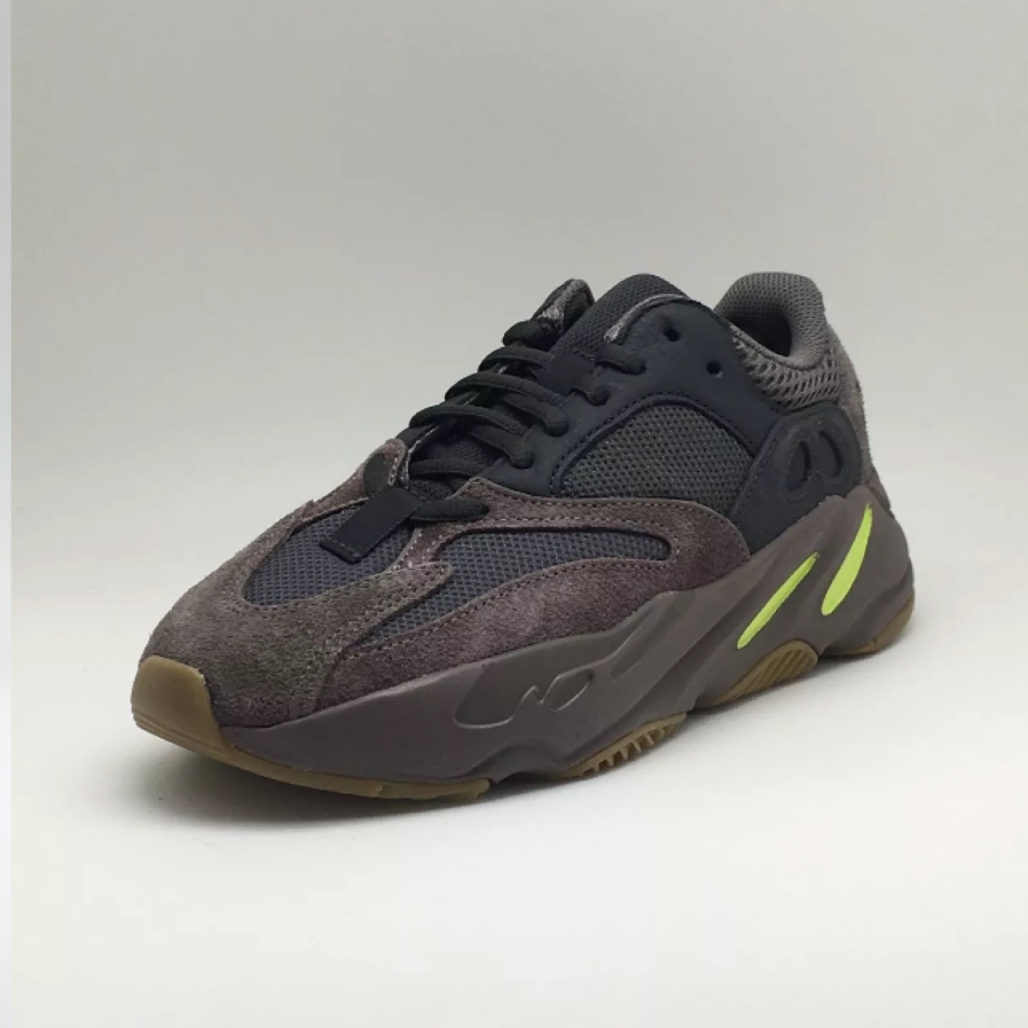 premium selection b4633 99259 Adidas Yeezy Boost 700 Wave Runner Mauve