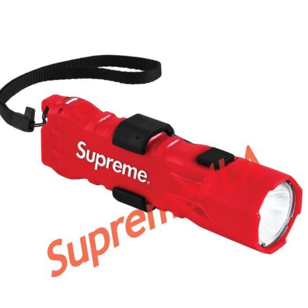 19S/S Pelican 3310Pl Supreme Flashlight Red