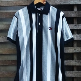 Vintage Tommy Hilfiger polo tshirt button up