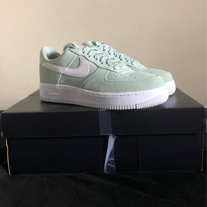 Nike Air Force 1 '07 LV8 Pistachio Frost