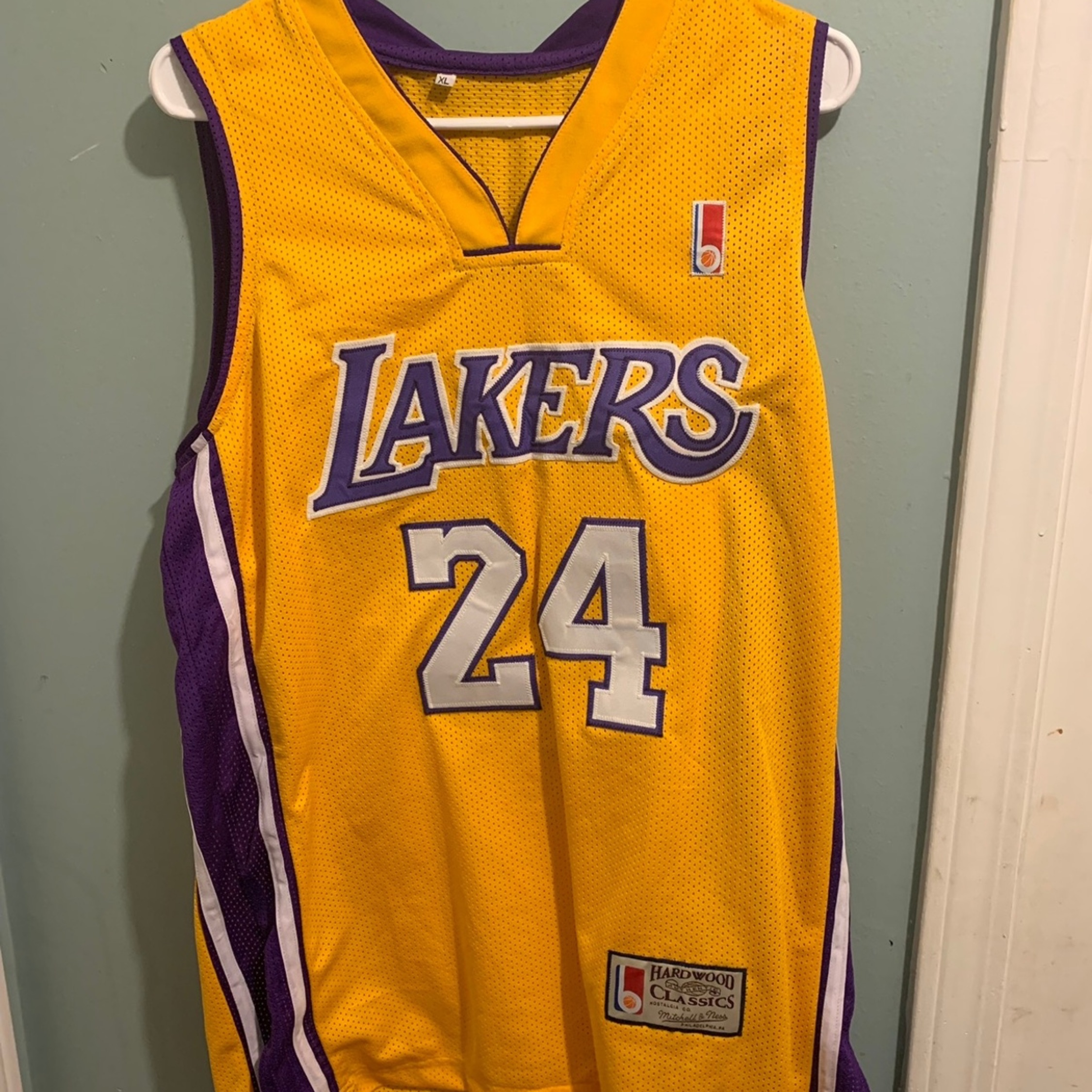 low priced 28d6e 1ecff Vintage Kobe Bryant Lakers Jersey