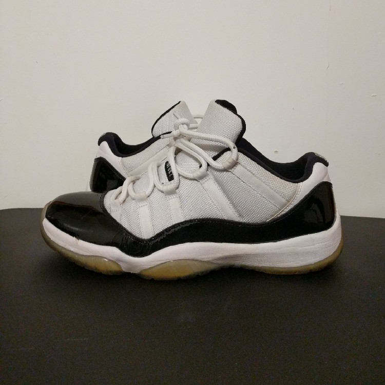 huge discount f9898 faae9 Jordan 11 Concord Low