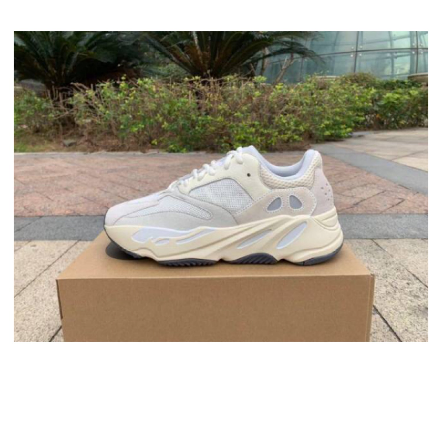 factory authentic 27d5e 43f6d Adidas Yeezy Boost 700 Analog Size 10.5