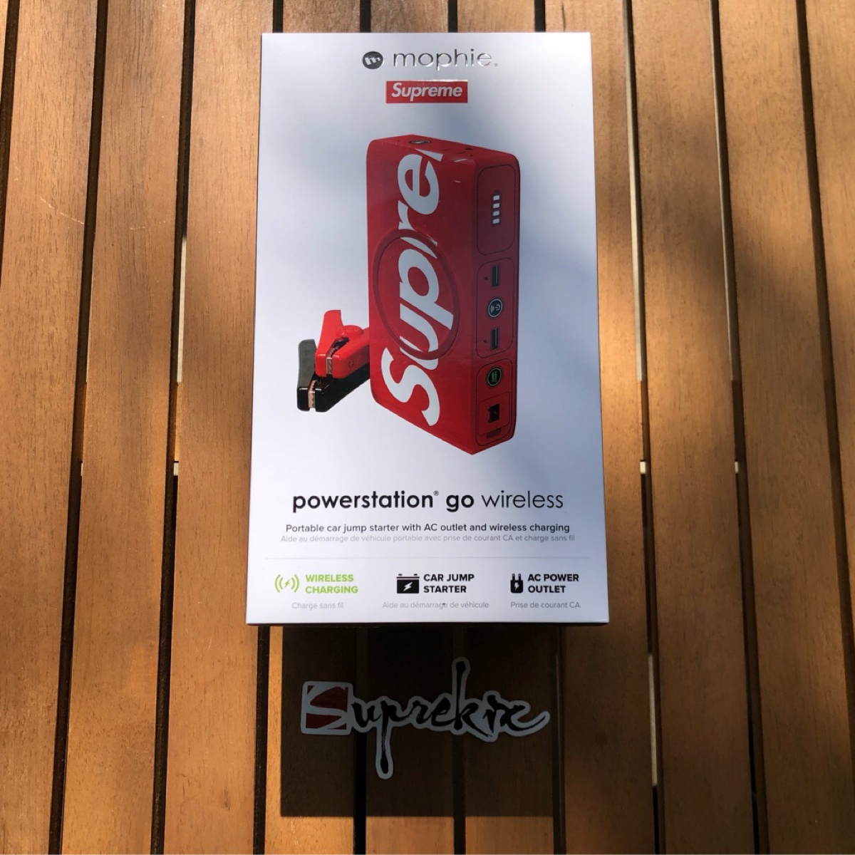 Supreme FW20 Mophie Powerstation Go Red