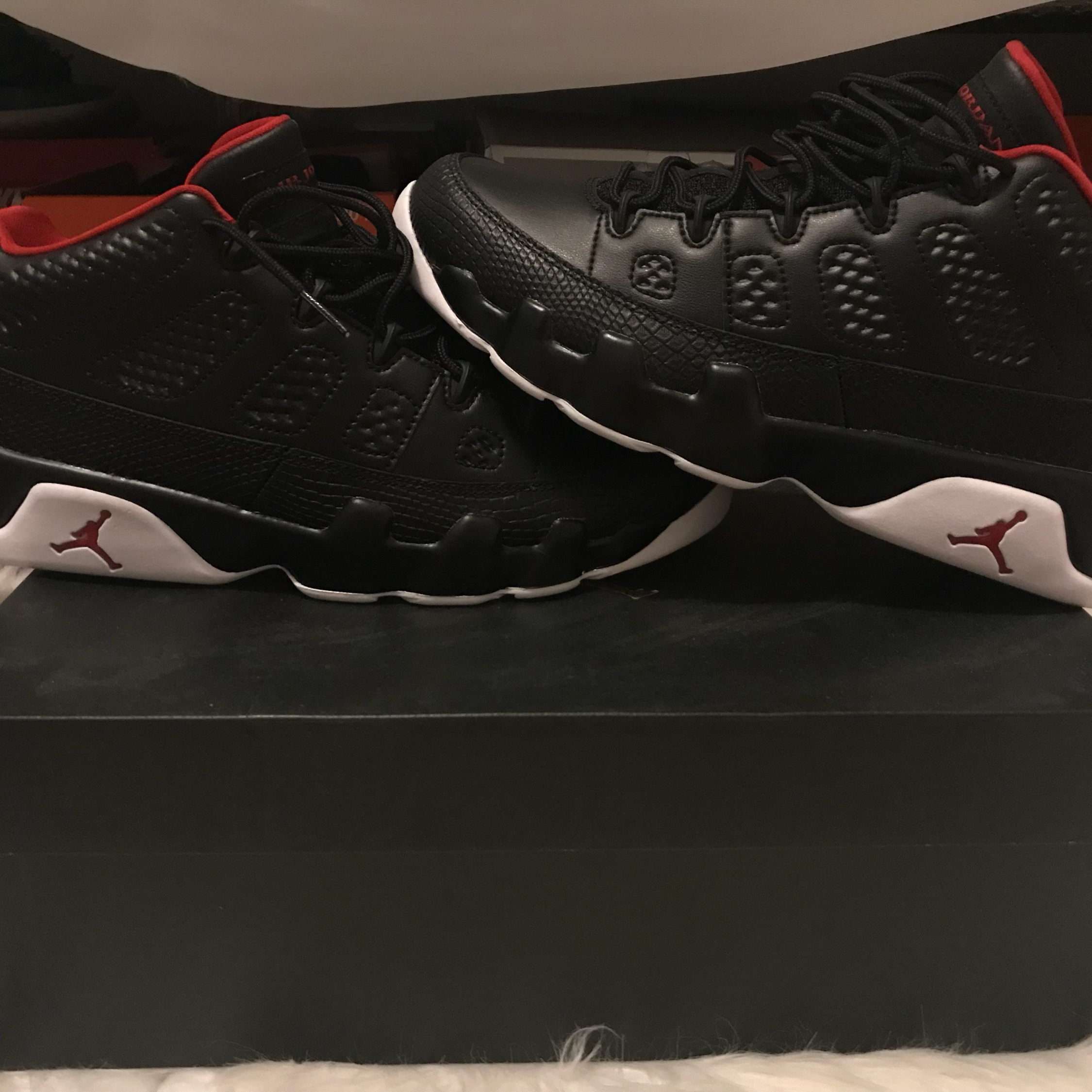 the best attitude d08ba 20c5a Jordan 9 Retro Low Bred Size 10